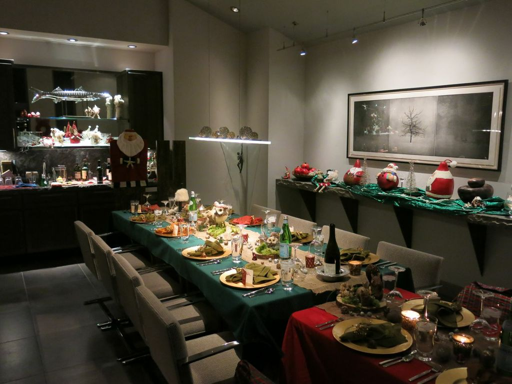 The Christmas Dinner table at Chez Chase