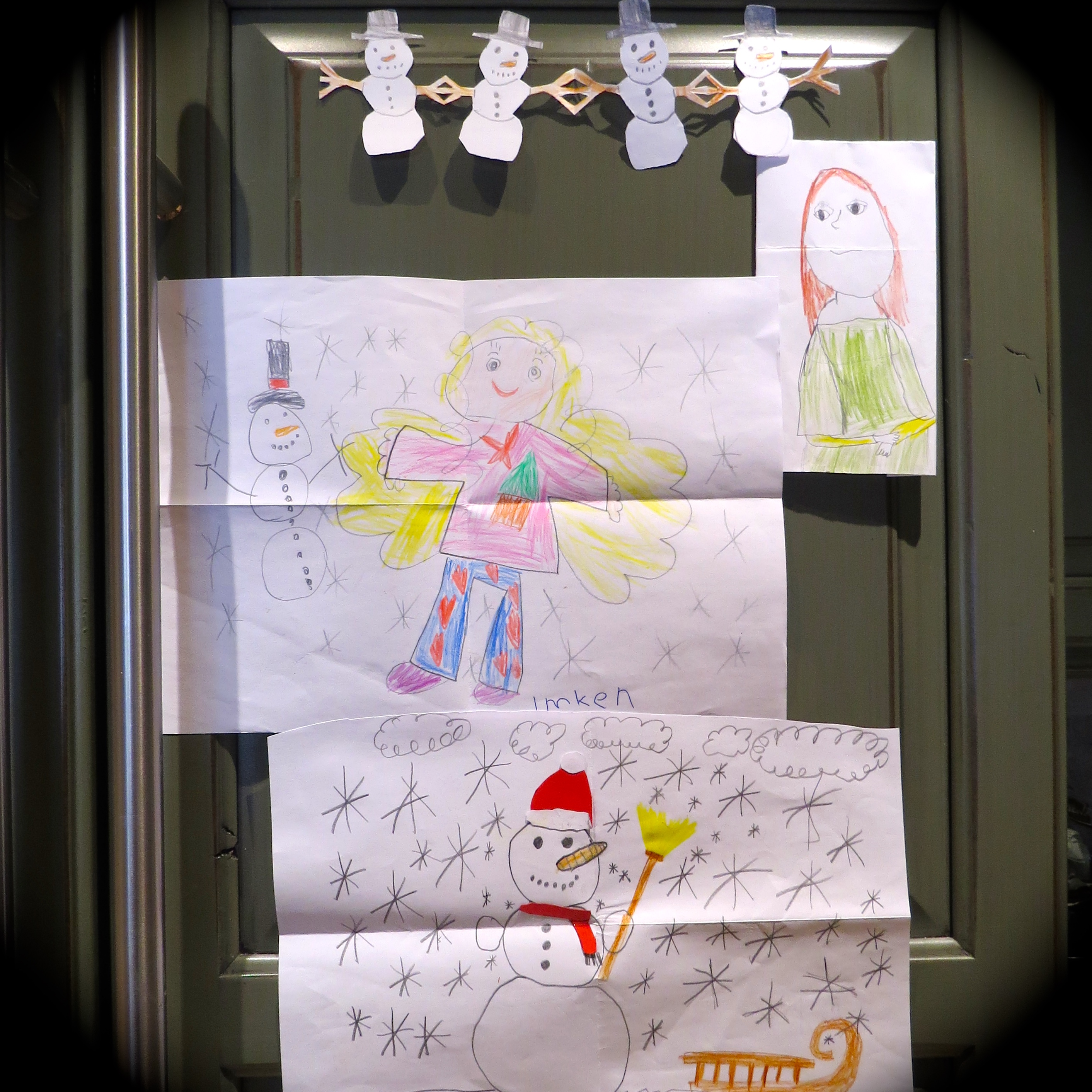 I Appreciate that for the past three years Klara, Gretchen, Freya and Imken, who live in Germany, have asked their Mother who blogs at The Kitchen Lioness, to send me their Christmas artwork. If one can have a Virtual Family, they are mine.