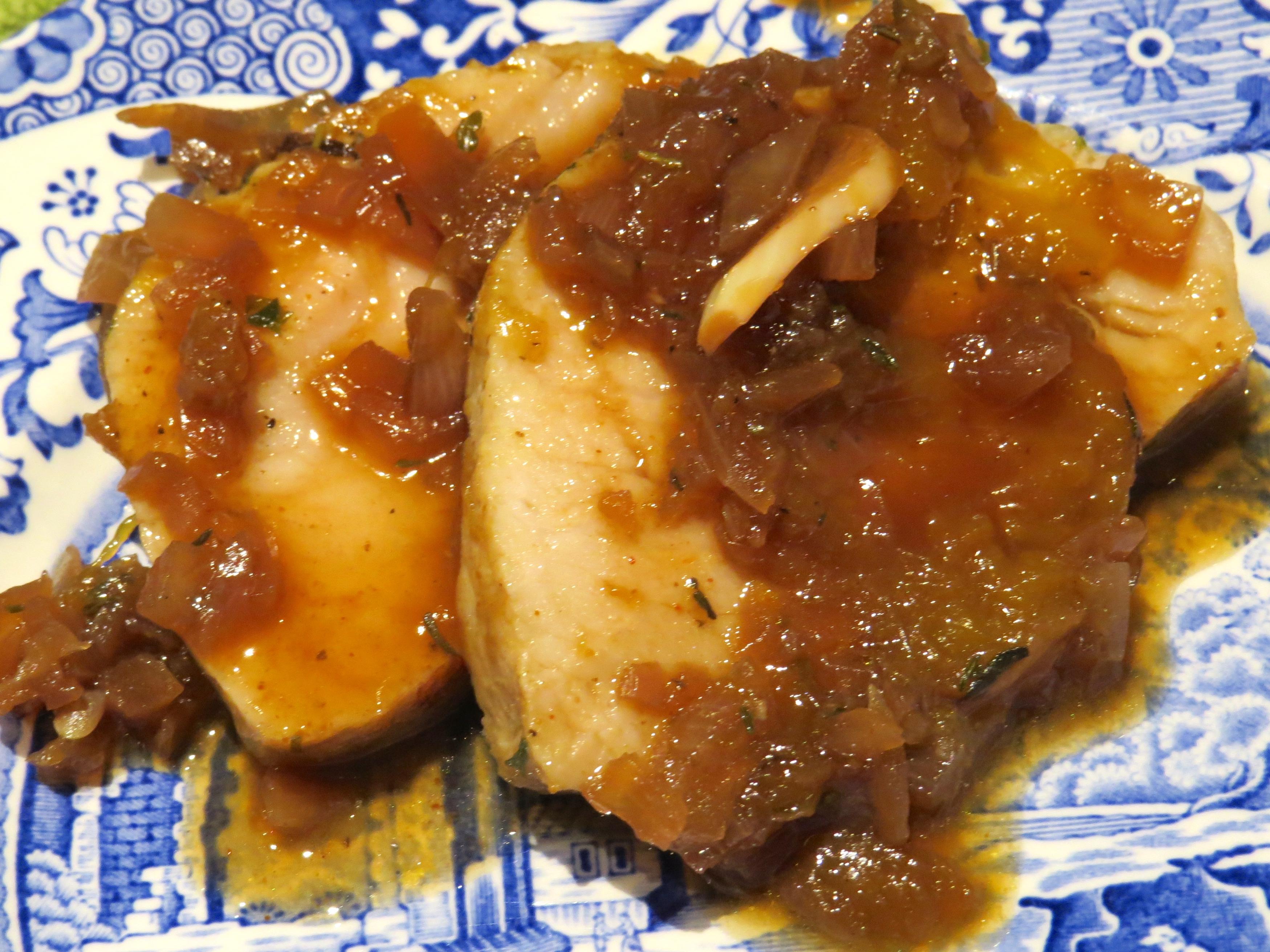 Slices of Pork Roast with Mangoes & Preserved Lemons